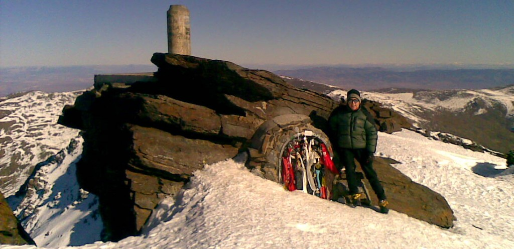 climbing mulhacen in winter